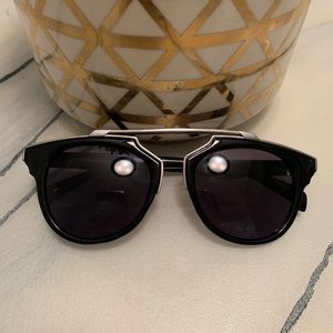 Designer inspired Black Sunglasses 🕶